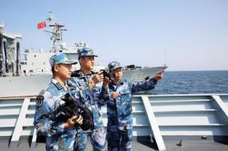 日蛙人抵近侦察中国军舰遭驱离 国防部回应